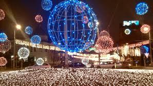 La Ploieşti luminile de sărbători se aprind pe 5 decembrie!