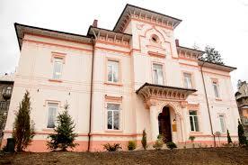 """Centrul Cultural """"Carmen Sylva"""" din Sinaia organizează cursuri de olărit"""