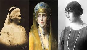,,Monarhia – Reginele României – 150 de ani''