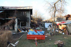Anul tragediilor pentru câmpineanul Gabriel Tatu! După moartea mamei, casa i-a fost înghițită de flăcări în noaptea de Sfântul Andrei