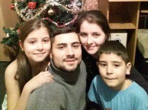"""""""Pentru Tine!"""" le-a îndeplinit visul! Elena și Daniel, din Buzota-Apostolache, s-au mutat în casă nouă!"""
