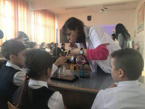 Fondul ȘTIINȚESCU – un program care își dorește reformarea Educației din România!