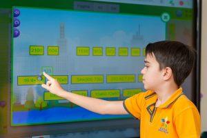 Invătarea se face cu ajutorul instrumentelor digitale pentru educatie